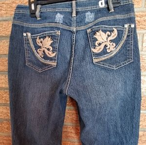 D. Jeans Embroidered Size 8.      #10